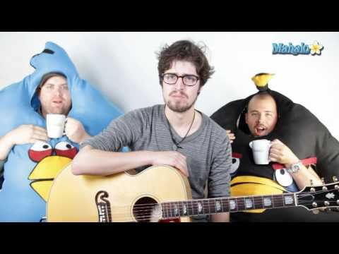 How to Play the Angry Birds Theme Song on Guitar (Performance Video)