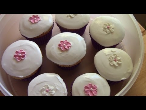 Royal Icing Cupcakes - RECIPE
