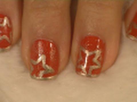 Easy Red and Gold Christmas Nail Art Tutorial / Arte para las uñas de navidad en rojo y oro