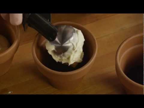 How to Make Dirt Cake