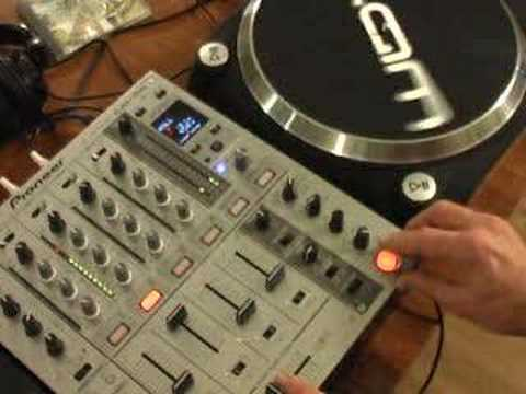 A look at the Roll feature on the Pioneer DJM-700 DJ mixer