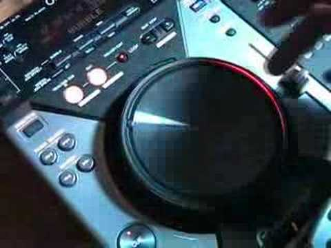 DJ Tutor shows Brian some of the features of the CDJ-400