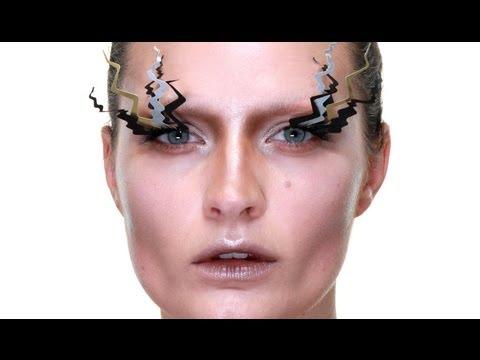 Crazy Lashes Make-up Tutorial