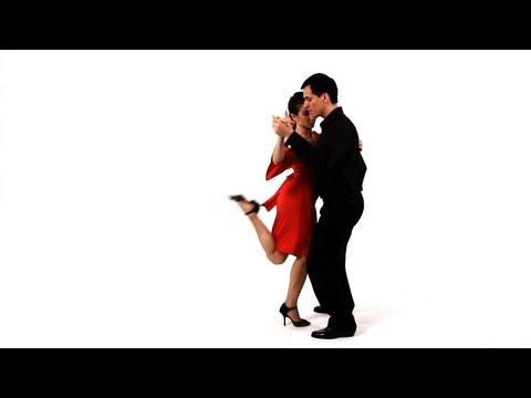 Dancing the Argentine Tango: Boleo