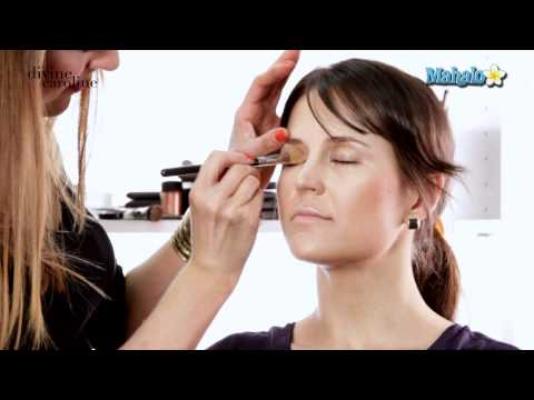 How to Create a Natural Makeup Look for Your Wedding