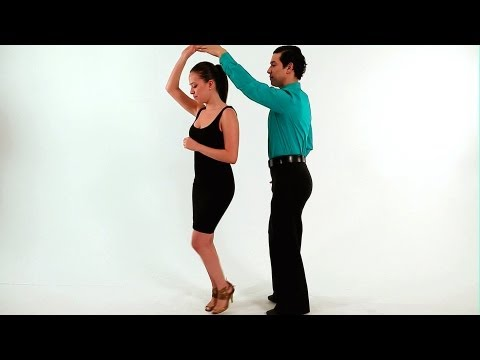 Merengue Dance Steps: Both Turn | How to Dance Merengue