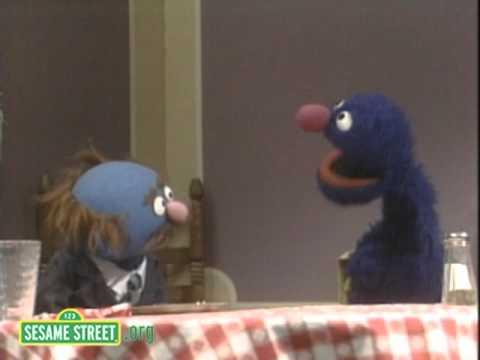 Sesame Street: Charlie's Ch Sounds