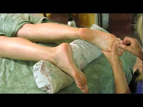 Foot Massage How To for Relaxation, Pain Relief, Massage Therapy | Psychetruth Athena