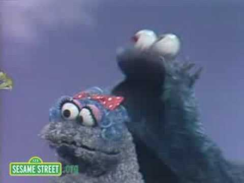 Sesame Street: Ernie With Cookie Monster's Baby Cousin
