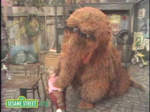 Sesame Street: Snuffy And Joey Alphabet