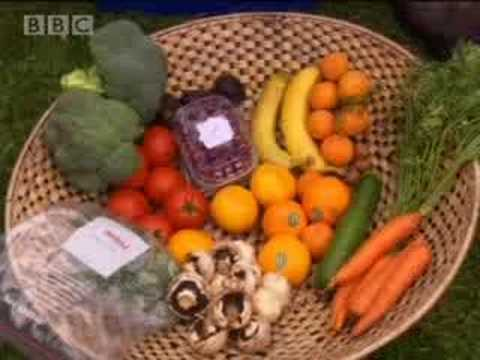 Dieters in weight loss camp given raw fruit and vegetable diet - BBC