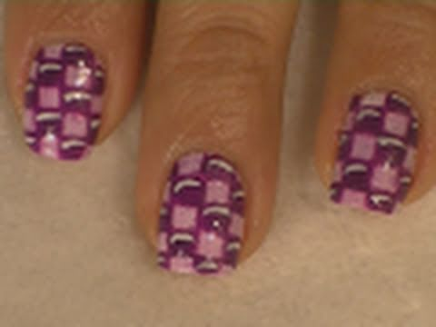 Purple Checkered Nail Art / Arte para las uñas con cuadros morados