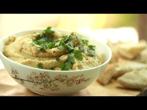 Homemade Hummus: How To Make It || Kin Eats