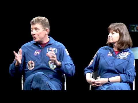 Meet Astronauts Mike Fossum and Cady Coleman at Smithsonian National Air and Space Museum