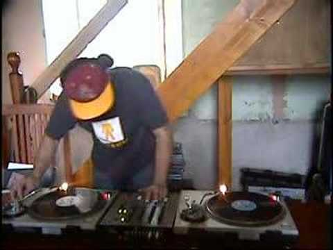 A fast mix of 7 toons on a set of  technics sl1200