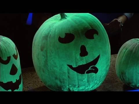 Glowing Pumpkins - Cool Halloween Science