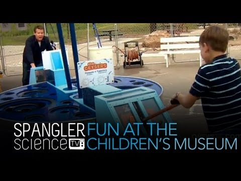 Fun at the Children's Museum - Cool Science Experiment