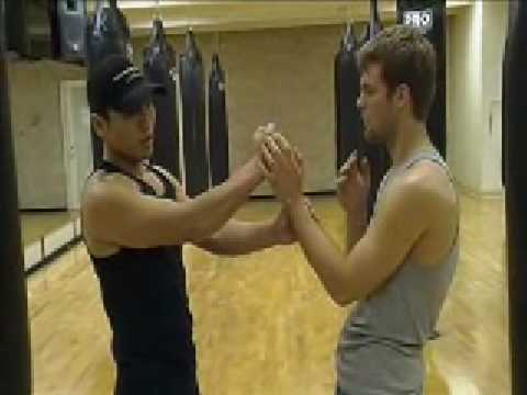 Wing Chun - Pak & Punch Drill (basics) part 1