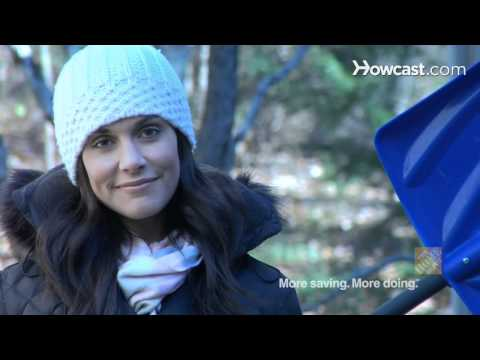 Quick Tips: How to Reduce Snow Shoveling Injuries