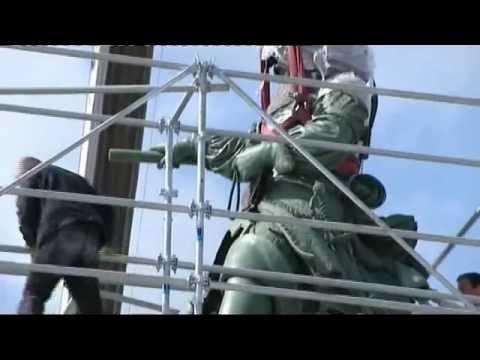 Le retour de la statue équestre de Louis XIV