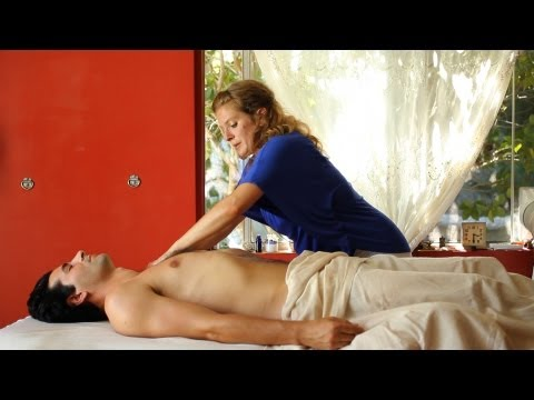 Ayurvedic Body Massage vs. Swedish Massage and Deep Tissue Massage