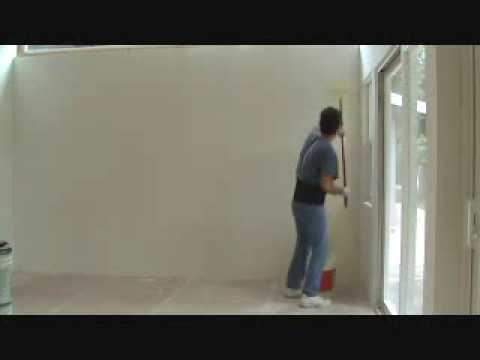 How to paint an interior wall: installing the primer