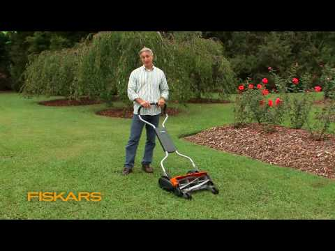 Fiskars Momentum: The Eco-Friendly Push Reel Lawn Mower