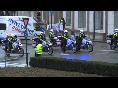 Greenpeace actions in Oslo during Obama Nobel Peace Prize