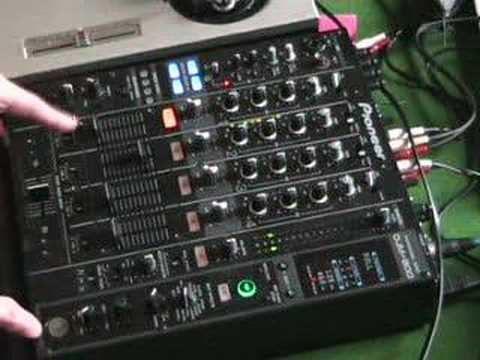 Using the roll feature on a DJ mixer with a vinyl turn table