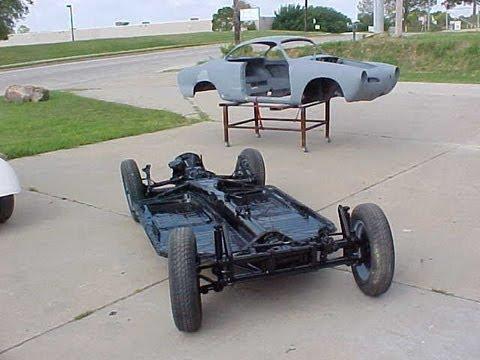"""VW"" Karmann Ghia: How To Remove The Body-Part 1"
