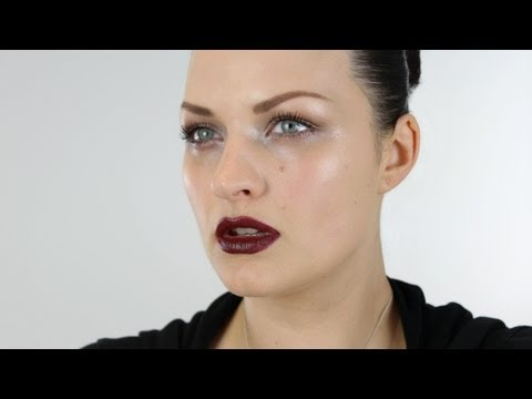 MODERN GOTHIC INSPIRED MAKE-UP TUTORIAL