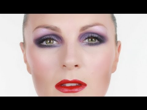 Purple Smokey Eyes Make-up