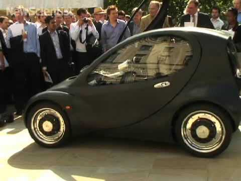Hydrogen-powered car