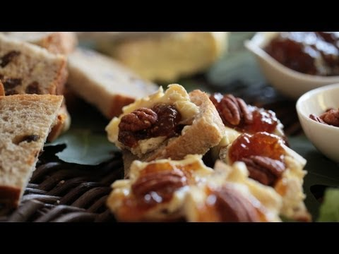 Appetizer Brie Pecan Fig Jam Crostini Make It (How to Recipe) || KIN EATS