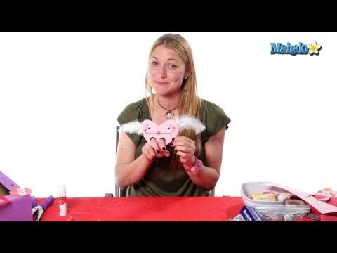 Homemade Valentines: Finger Puppet Hearts
