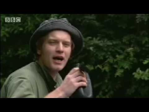 Jungle Search for Water & Breakfast - Ewan McGregor in the Jungle - BBC
