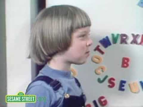 Sesame Street: Letters Make Words With B