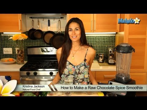 How to Make a Raw Chocolate Spice Smoothie