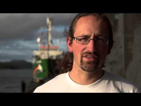 Greenpeace climbers at Gazprom Arctic rig: Lars Konnertz, Germany