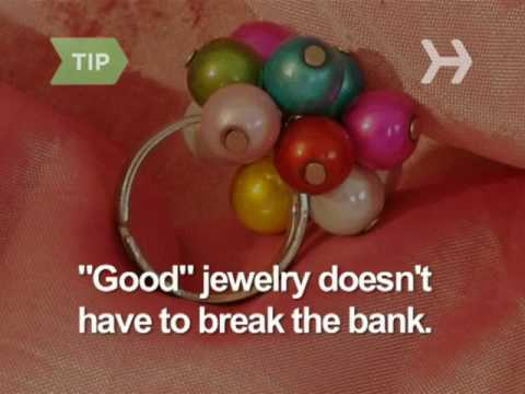 How To Pick Out Jewelry For a Woman