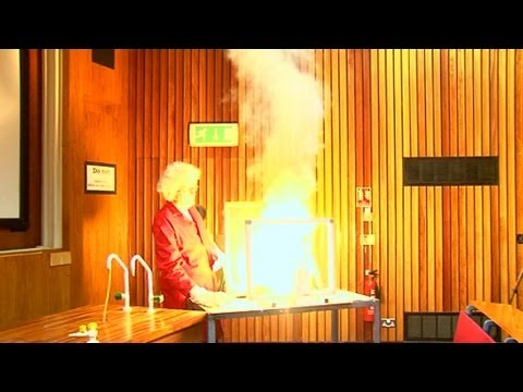 Chromium Trioxide (FAIL) - Periodic Table of Videos