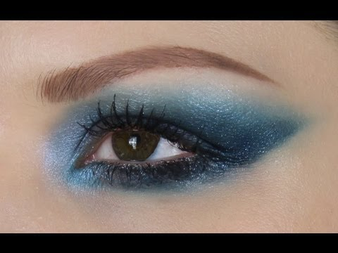 OCEAN BLUE MAKE-UP TUTORIAL with CIATE CAVIAR MANICURE GIVEAWAY