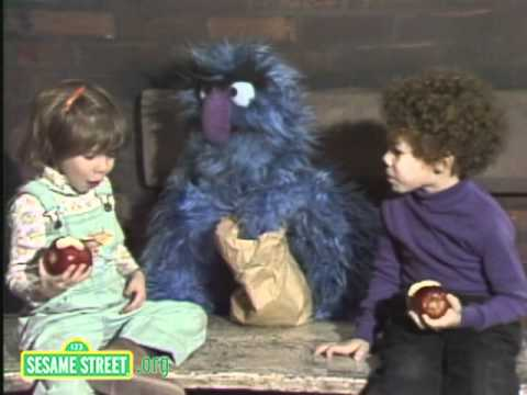 Sesame Street: Eating Apples