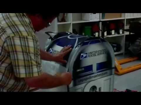 Transformation Into an R2-D2 Mailbox