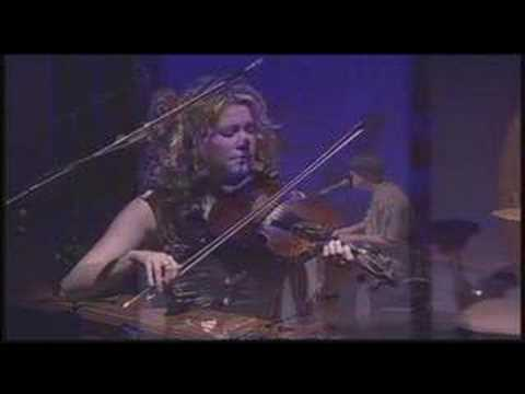 Natalie MacMaster & Thomas Dolby: Fiddling in reel time