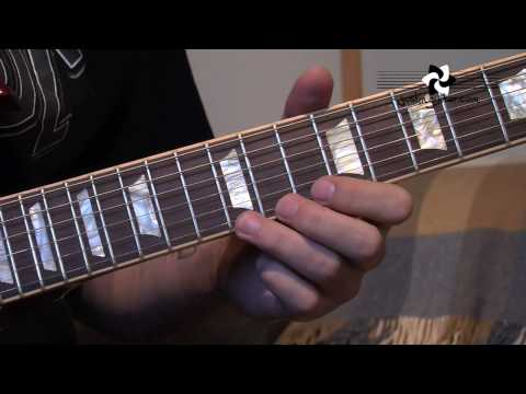 AC/DC - Angus Young: Style Licks (Guitar Lesson RO-101)