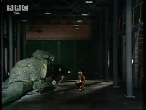 Snapping a T Rex - Doctor Who  - BBC classic sci-fi