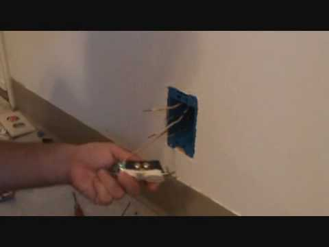 Attaching a ground wire to a duplex receptacle plug