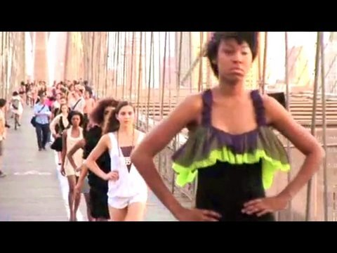 Fashion week, Fashion Indie takes over the Brooklyn Bridge