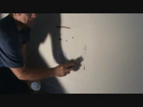 How to patch drywall: installing the lightweight spackle